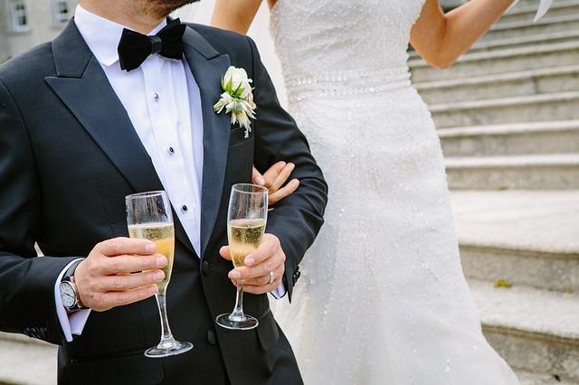 結婚式ムービーを結婚式場に依頼する方法のメリットとデメリット
