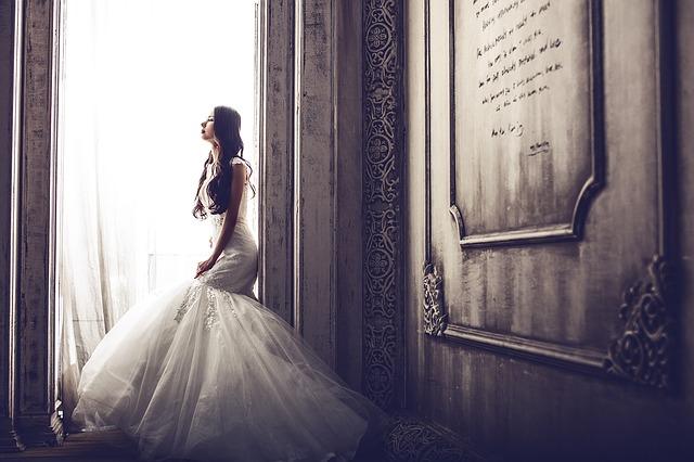 結婚式ムービーを自作するメリット