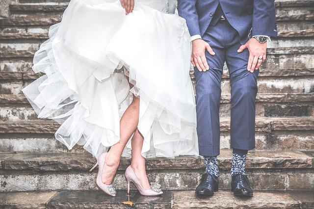 結婚式ムービーを自作する方法のメリットとデメリット