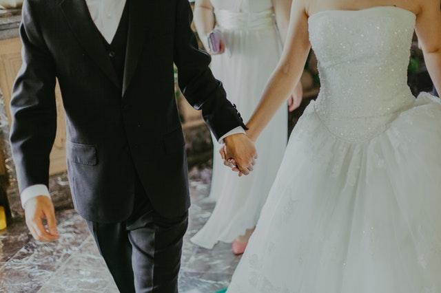 結婚式ムービーが間に合わないときの解決策のまとめ